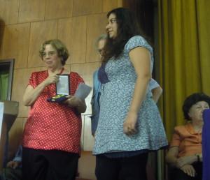 Entrega da Medalha Chico Mendes aLuiz Eduardo da Rocha Merlino (in Memoriam), Angela MEndes de Almeida e Tatiana Merlino. Foto: Fernada Azeredo.